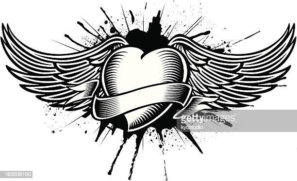 Corazón con alas tatoo