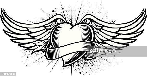 Corazón con alas tatuaje