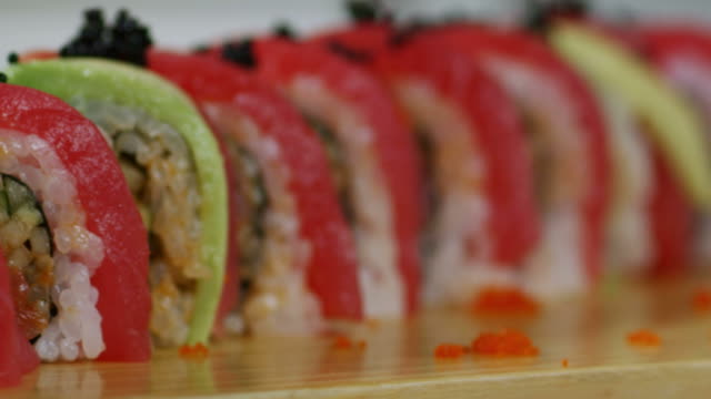 SUSHI ROLL-TUNA-1080HD