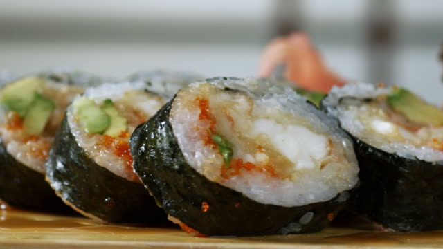 SUSHI ROLL-LOBSTER-1080HD