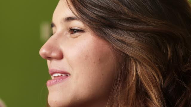FEMALE TEEN-SMILING-EATING-1080HD