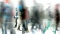 PEOPLE WALKING THROUGH A HALL : (LOOP)