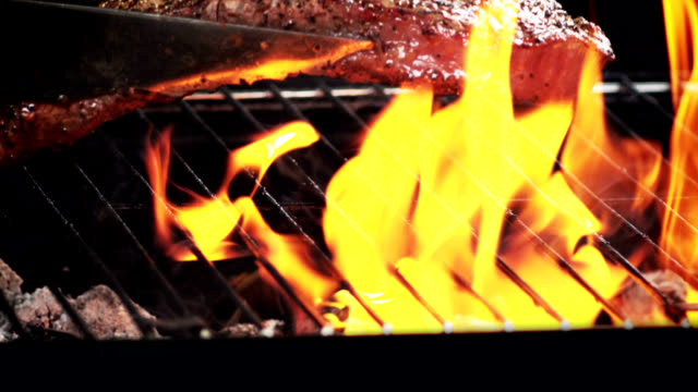 GRILLED STEAK-SLOW MOTION