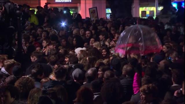 ABLA583A BBC News channel rushes lib/bowie/fans/brixton/0353/11/1/105/5050982