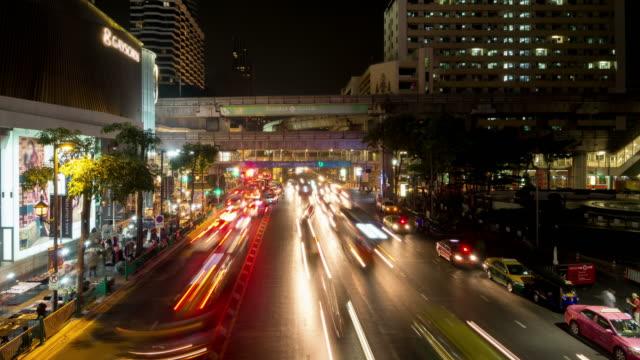 VERKEER IN BANGKOK - CENTRAL WORLD