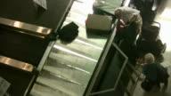 HD 1080i Luggage Carousel 4