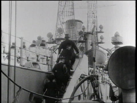 1910s B/W President Taft boarding a ship at the Canal Zone / Panama