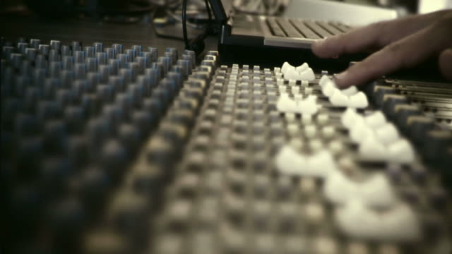 HD 35mm: mixing console