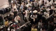4 k-People Einkaufen