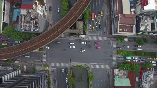 4 k Auflösung Stadtbild Ariel Ansicht Kreuzung und Verkehr in zentraler Geschäft Bezirk von Bangkok City Thailand