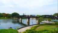 4 k timelapse: brug over de River Kwai, Thailand.