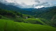 4k Zeitraffer der Schritt Reisfeld und trübe in Sapa Vietnam.