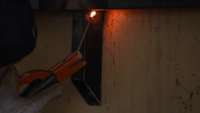 4 K. Elettrico saldatura