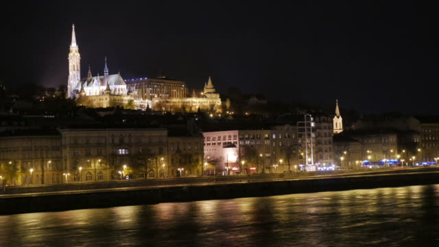 4K:Fisherman castle at night in Budapest east europe