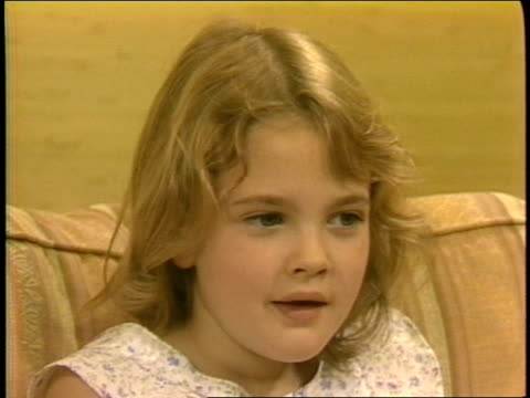 7yearold Drew Barrymore talks about the movie ET 1 of 4