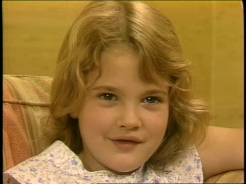 7yearold Drew Barrymore talks about the movie ET 4 of 4