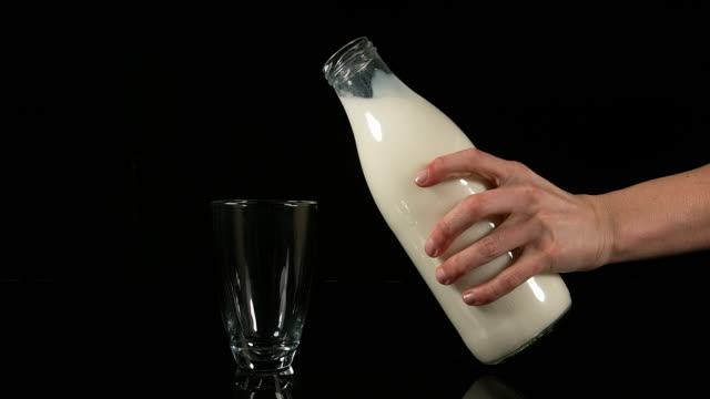 850295h	Milk being poured into Glass against black Background, real Time 4K	Gerard LACZ 850296h	Milk being poured into Glass against black Background, real Time 4K	Gerard LACZ 850297h	Milk being poured into Glass against black Background, real Time 4K	Ger