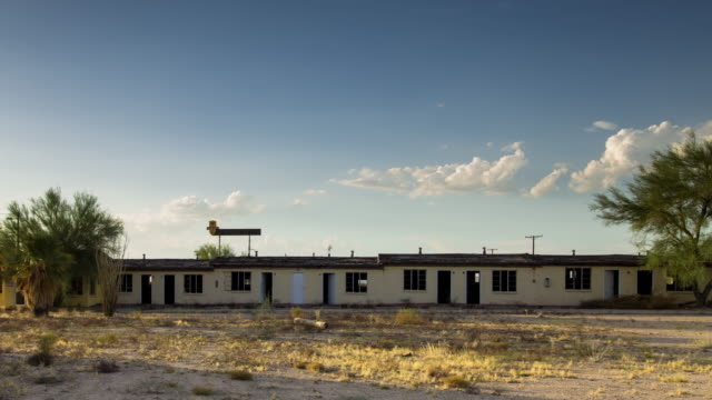 Abandoned Motel in Desert - Time Lapse