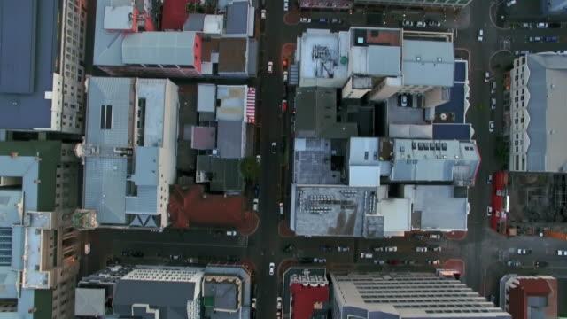 Boven de straten van de stad Kaapstad