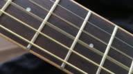 Houten gitaar String spelen op toets
