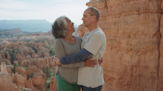 4K UHD: Active Seniors Embracing in Bryce Canyon
