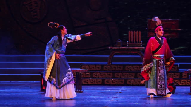 MS Actors performing local Chinese traditional qinqiang opera on stage AUDIO / xi'an, shaanxi, china