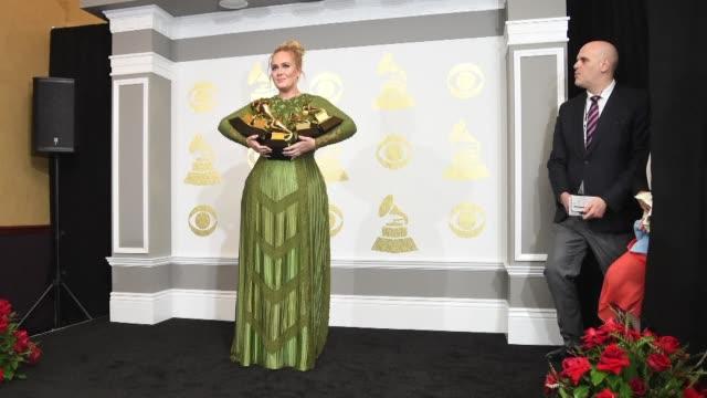 Adele arraso el domingo en todas las categorias en las que estuvo nominada en los Grammy pero en sus discursos insistio siempre en que su idolo...