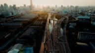 Luftbild Autobahn und der Verkehr in Bangkok