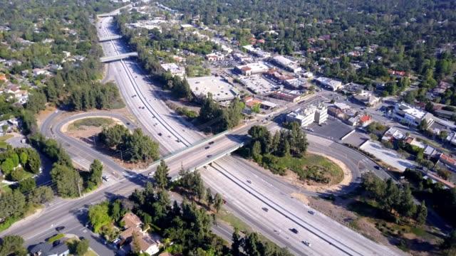 Luchtfoto van Freeway en afrit