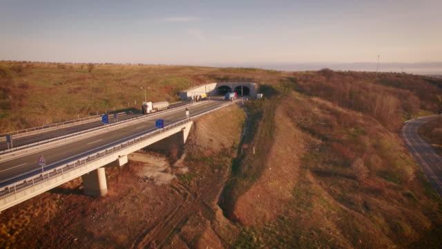 Luchtfoto video met snelweg