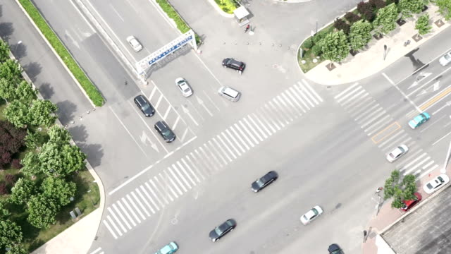 Aerial view of busy traffic on multiple lane highway,real time.