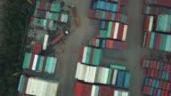Luchtfoto van cargo containers