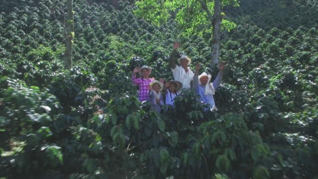 Luftaufnahme des kolumbianischen Familie Verzicht auf Wiedersehen