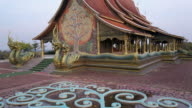 Luftaufnahme der Sirindhorn Wararam Phu Prao Tempel (Wat Phu Prao)