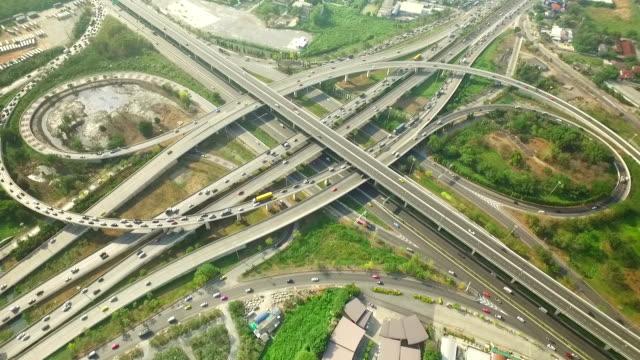 Luchtfoto van verkeer op Express weg in Bangkok, Thailand