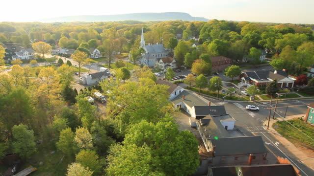 Luftaufnahme kleine Stadt in New England