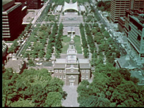 1976 MONTAGE Aerial zoom out Independence Hall. Int first Congress meeting rooms / Philadelphia, Pennsylvania, USA