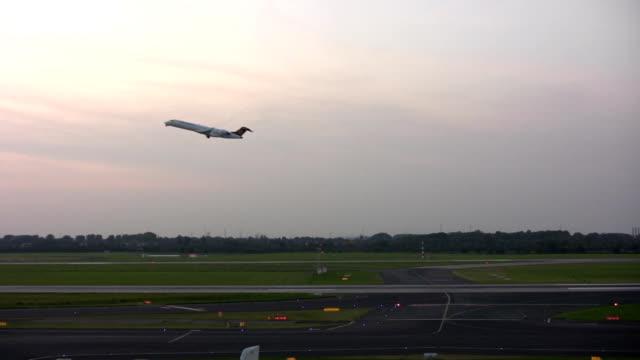 aeroplane starting