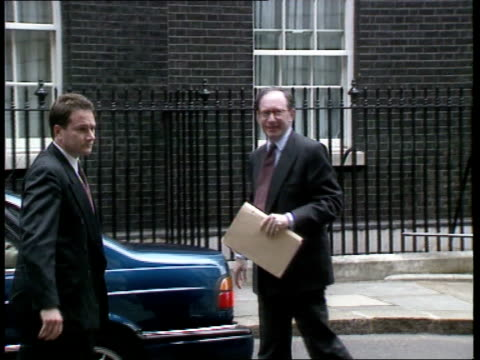 Government makes renewed effort to have EU ban on British beef removed ENGLAND London Downing Street EXT Limo stops in front of No 10 as Malcolm...