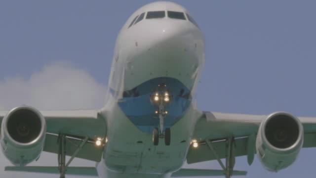Vliegtuig landing op zee