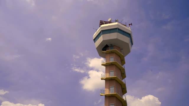 Flughafen Radar Tower