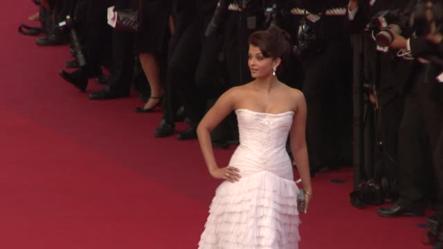 Aishwarya Rai Bachchan and Elizabeth Banks at the Cannes Film Festival 2009 Opening Night/Up Steps at Cannes