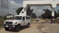 Al menos 15 personas murieron el lunes cuando un grupo de atacantes suicidas se hizo explotar en un punto de distribucion de ayuda al noreste de...