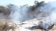 Al menos dos policias murieron y 61 personas sufrieron quemaduras graves tras una explosion en un deposito de basura en Cotonou en Benin
