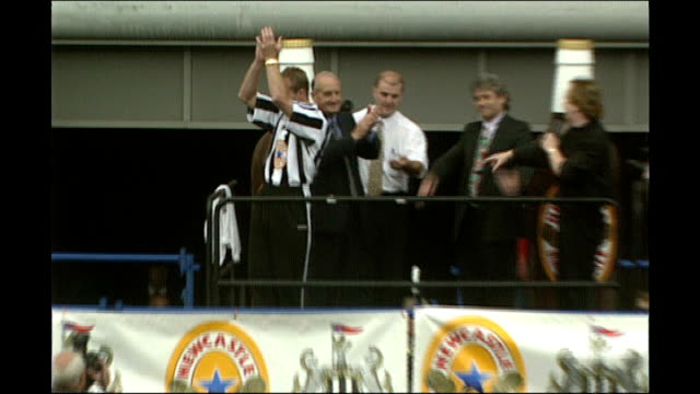 Alan Shearer signs for Newcaste United Then Newcatsle United Chairman Sir John Hall on platform with Shearer and Keegan Sir John Hall addressing...