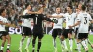 Alemania campeona del mundo clasifico el sabado a semifinales de la Eurocopa al ganar en tanda de penales a Italia en un partido de cuartos de final...