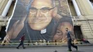 Alentados por la proxima beatificacion de monsenor oscar Arnulfo Romero los salvadorenos conmemoran el martes el 35 aniversario del asesinato del...