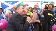 Alex Salmond selfie with Yes supporters