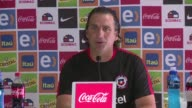 Alexis Sanchez y Arturo Vidal los dos puntales de la Roja se recuperaron y podran jugar ante Uruguay el martes por las clasificatorias mundialistas...