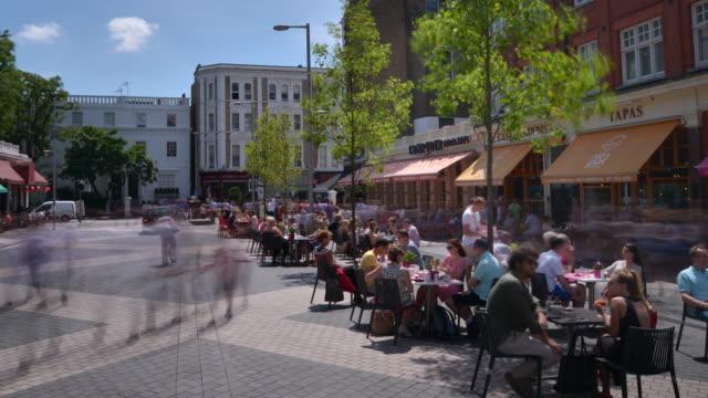 Alfresco dining Exhibition Road in South Kensington